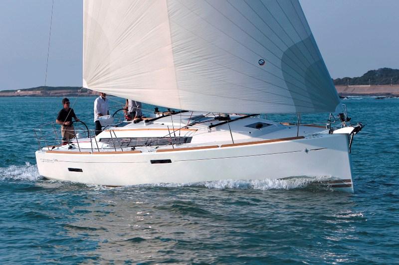 Navalia - Imbarcazione Sun Odyssey 379 1
