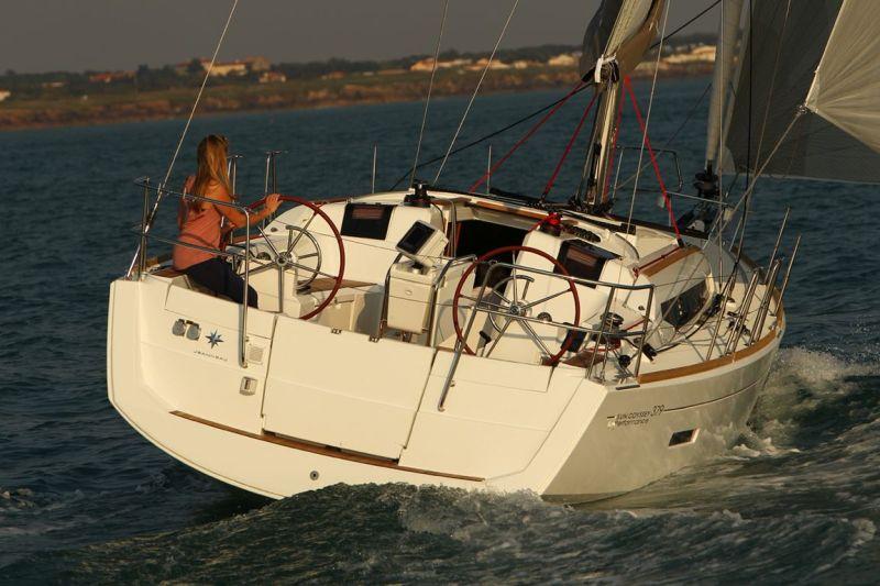 Navalia - Imbarcazione Sun Odyssey 379 2