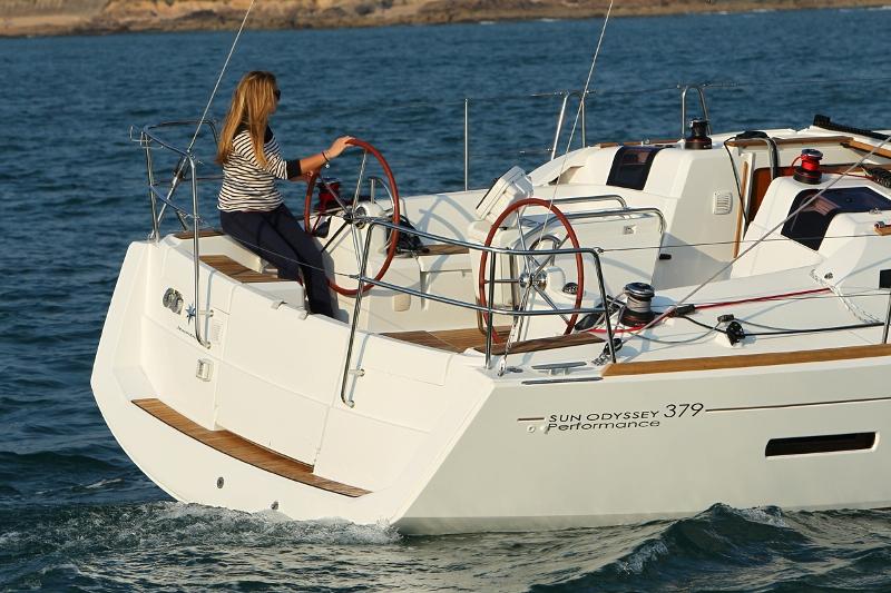 Navalia - Imbarcazione Sun Odyssey 379 3