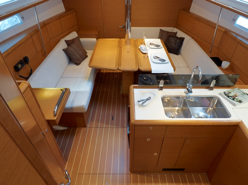 Navalia - Imbarcazione Sun Odyssey 379 6