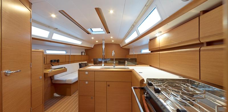 Navalia - Imbarcazione Sun Odyssey 379 7