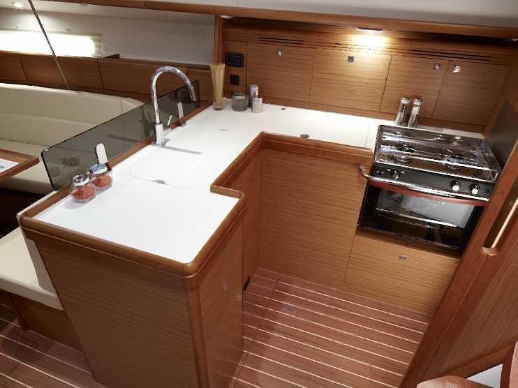 Navalia - Imbarcazione Sun Odyssey 42 DS 6