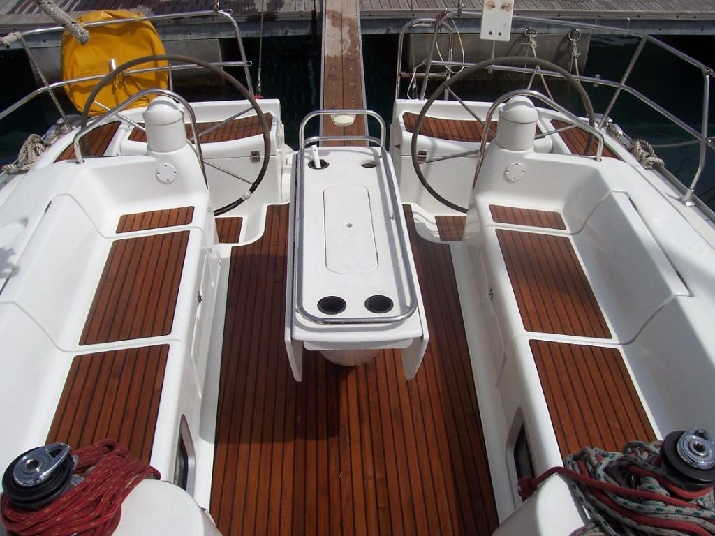 Navalia - Imbarcazione Sun Odyssey 43 4