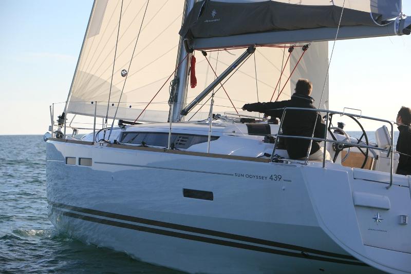 Navalia - Imbarcazione Sun Odyssey 439 3