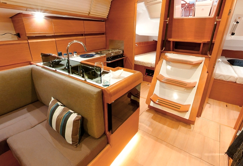 Navalia - Imbarcazione Sun Odyssey 439 7