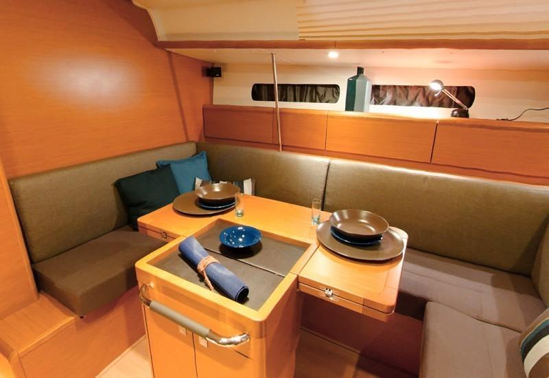 Navalia - Imbarcazione Sun Odyssey 439 8