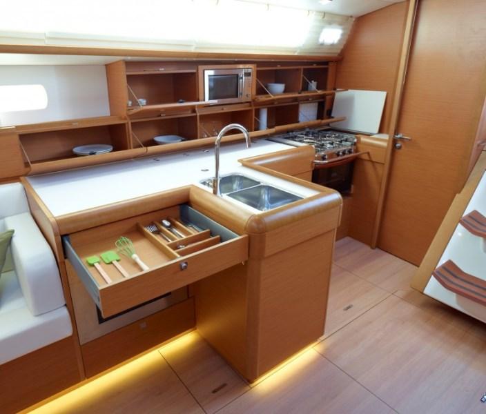 Navalia - Imbarcazione Sun Odyssey 519 9